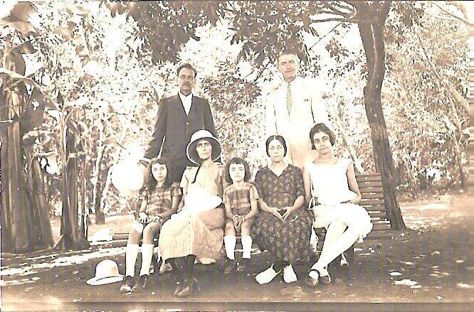 Famille de Lanux et Raymond Deroussent