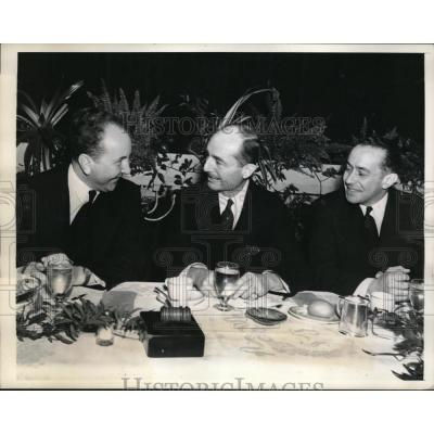 "Pierre de Lanux avec Bipplem du ""Foreign Policy Association"" et l'ambassadeur allemand Hans Dieckhoff - Philadelphia (USA) -1938"