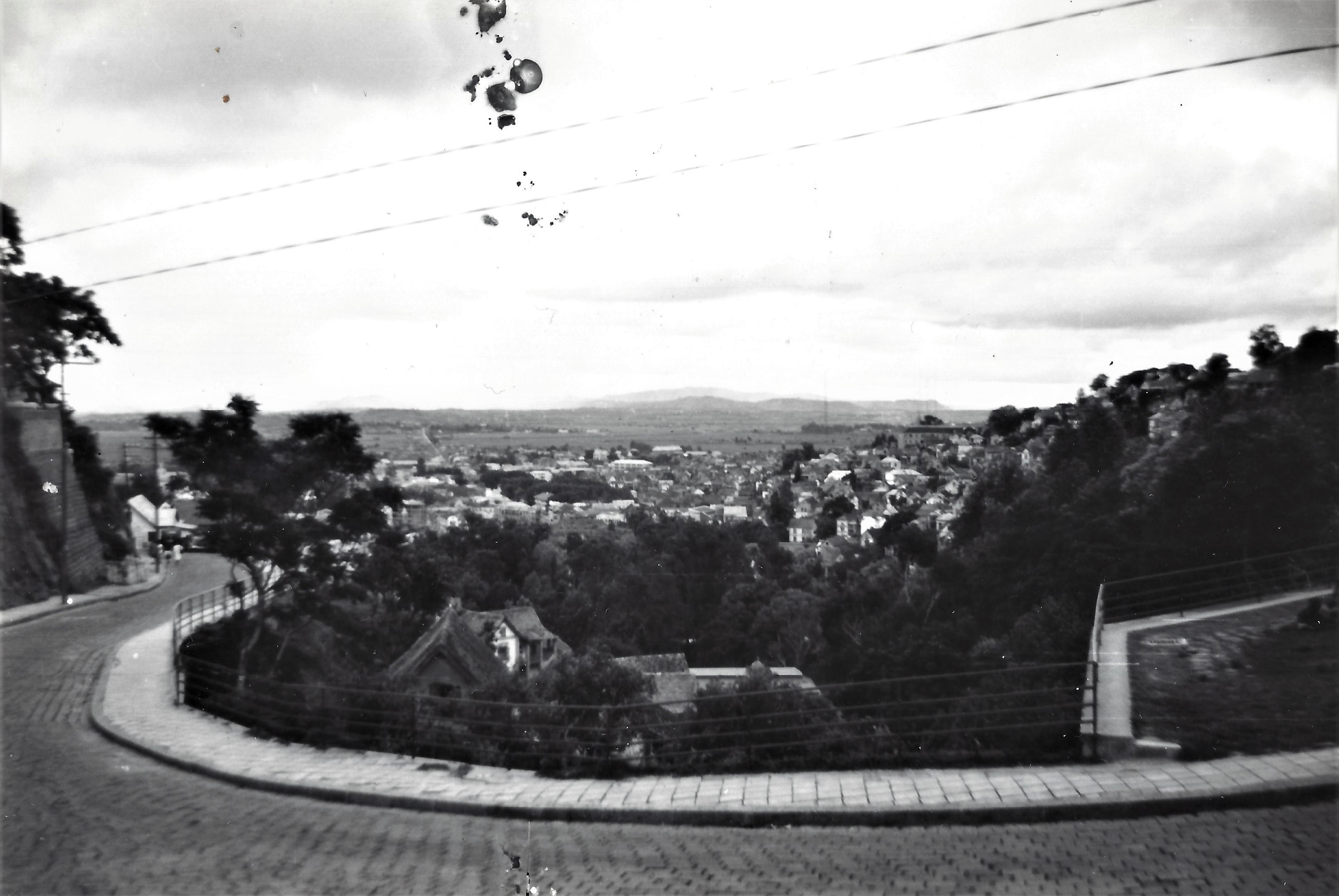 Vue prise d'Ambohijatovo, Tananarive